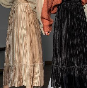 ベロア地のプリーツスカート